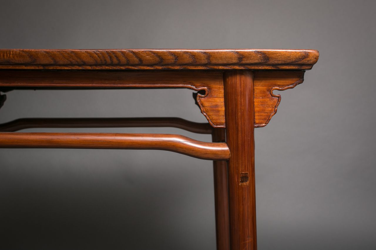 Chinese Elmwood Table with Beautiful Wood Grain Top