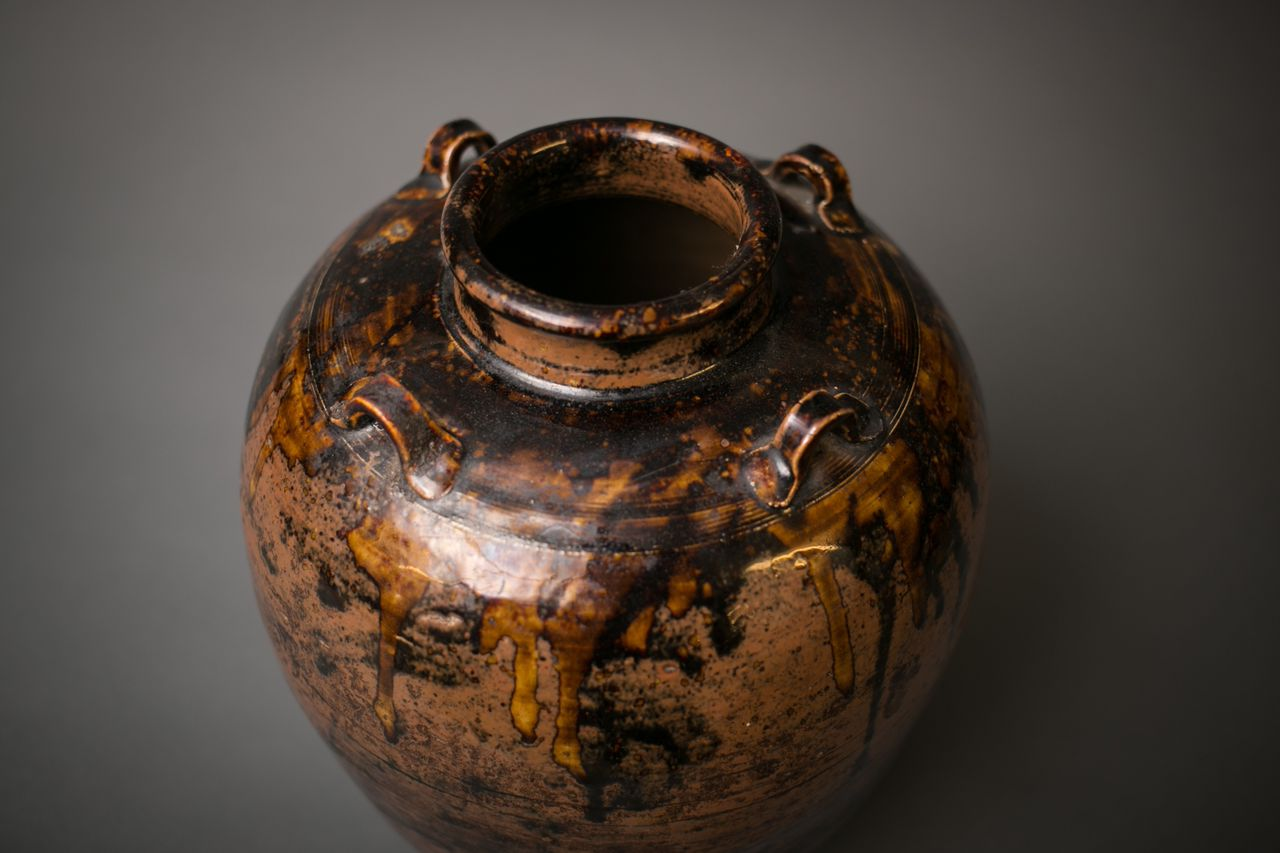 Japanese Seto-ware Earthen Jar