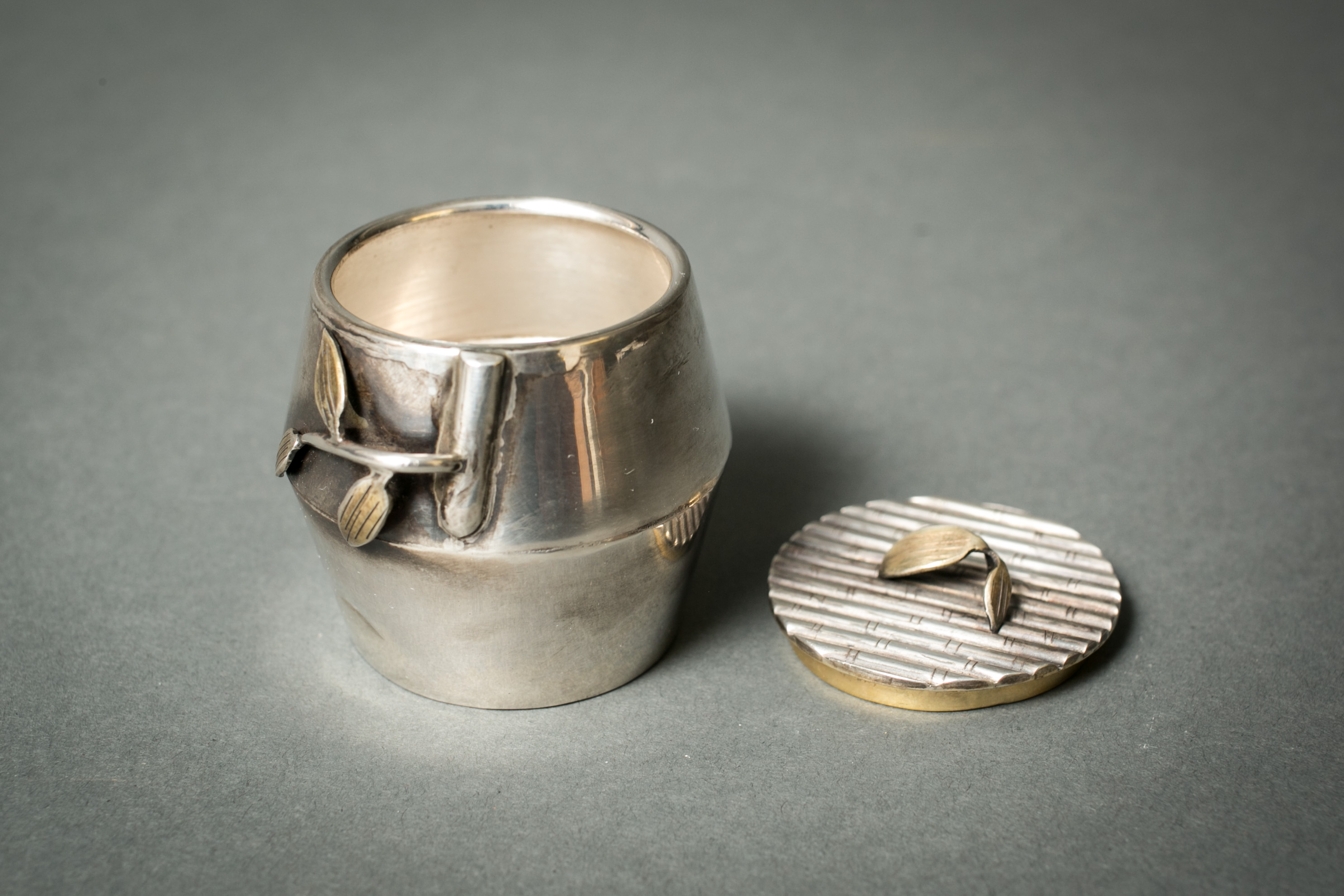 Pure Silver Bamboo-Shaped Tea Caddy (Chaire)