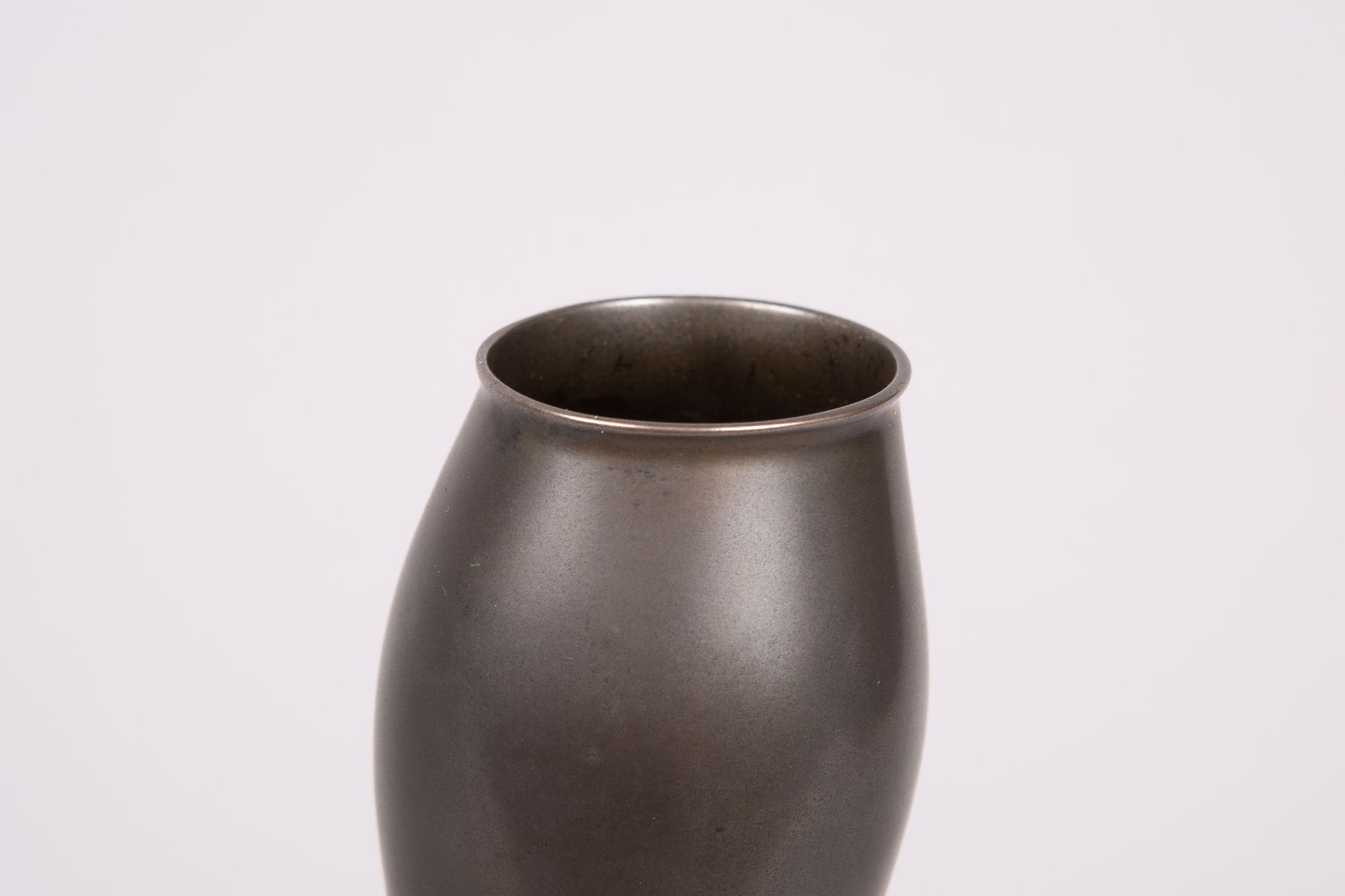 Japanese Gourd-Shape Bud Vase