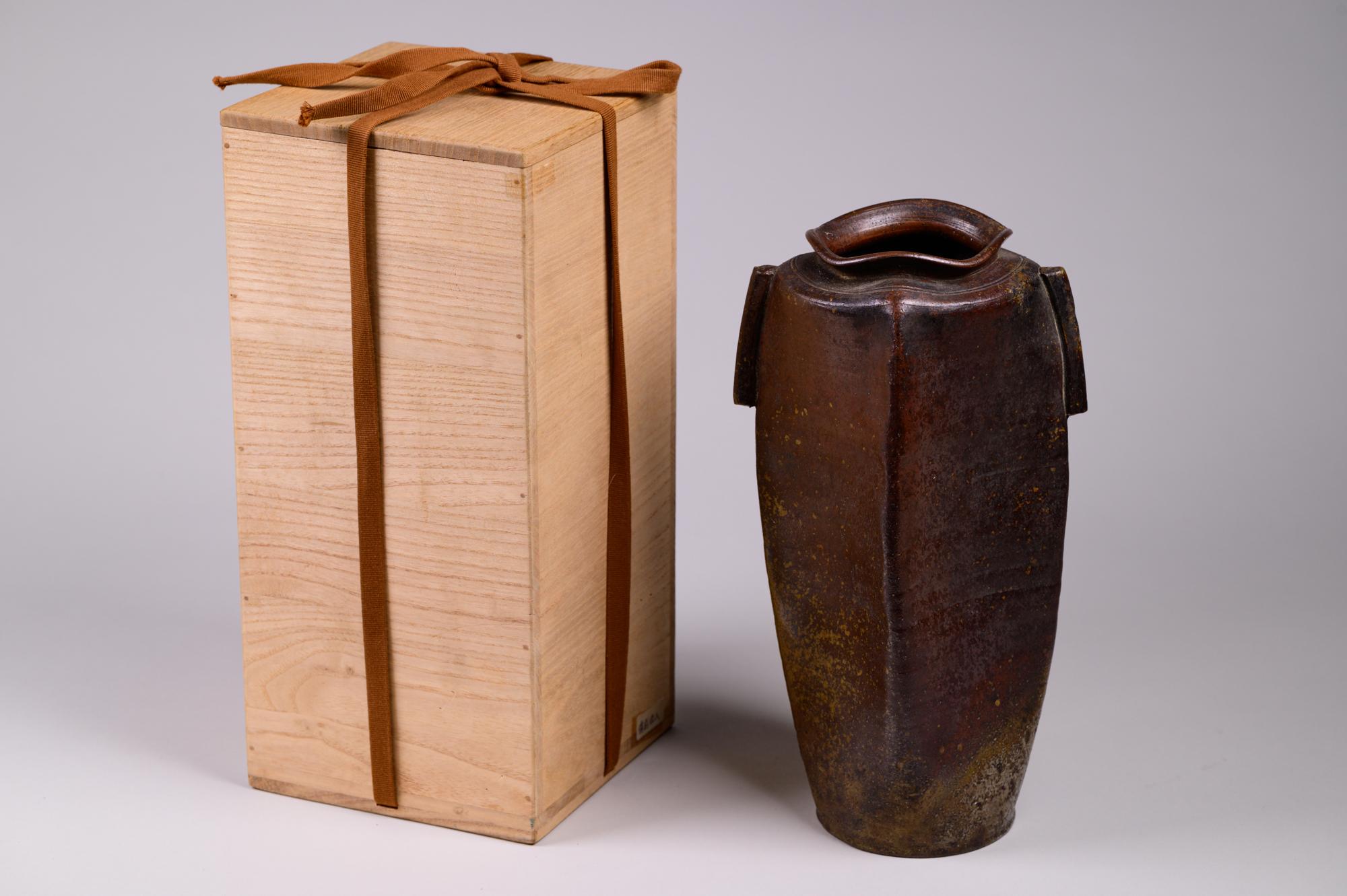 Japanese ceramic vase, antique vase, Bizen vase, Edo vase, antique ceramic vase, Bizen, Edo